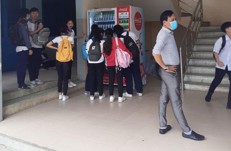 Lắp máy bán hàng tự độngt tại trường cao đẳng nghề đồng nai