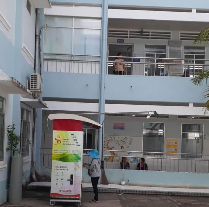 Máy bán hàng tự động được lắp tại từng khoa của bệnh viện