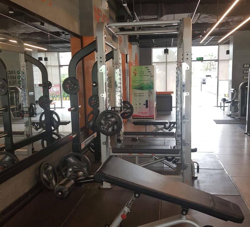 Nên đầu tư một máy bán hàng tự động trong phòng gym