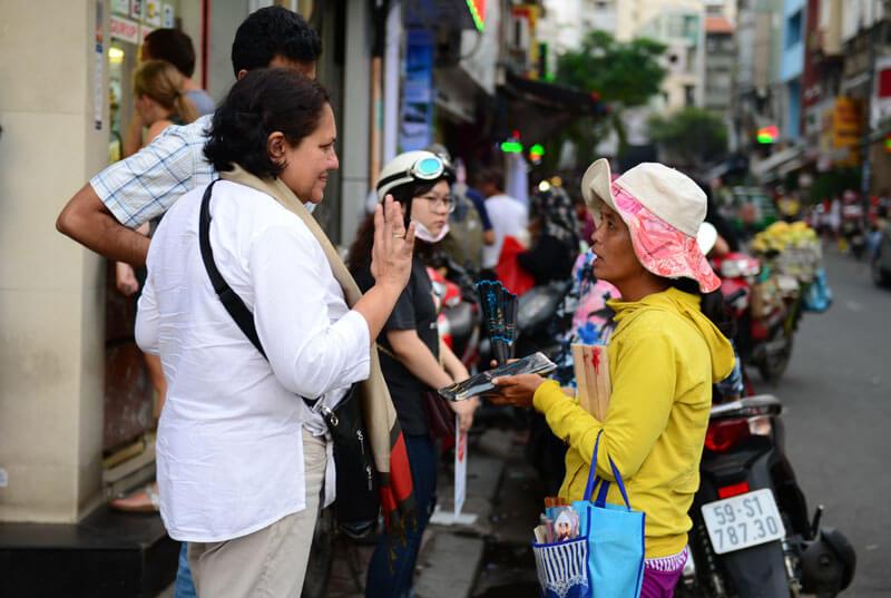 Nạn chèo kéo khách du lịch tại Việt nam