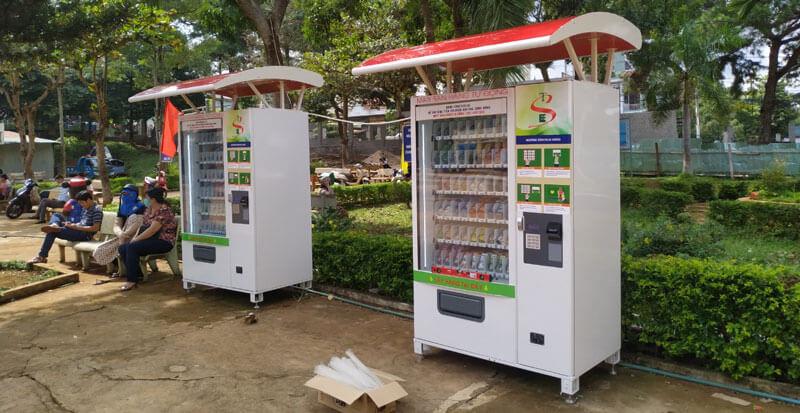 máy bán hàng tự động tại trường học