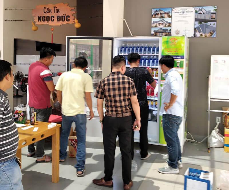 MC3A1y bC3A1n hC3A0ng tE1BBB1 C491E1BB99ng lE1BAAFp tE1BAA1i cC483ng tin cC3A1c bE1BB87nh viE1BB87n trC6B0E1BB9Dng hE1BB8Dc ⭐⭐⭐⭐⭐ Nhà cung cấp máy Bán Hàng Tự Động, TSE Máy bán nước tự động Số 1