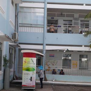 May ban hang tu dong duoc lap tai tung khoa cua benh vien ⭐⭐⭐⭐⭐ Nhà cung cấp máy Bán Hàng Tự Động, TSE Máy bán nước tự động Số 1