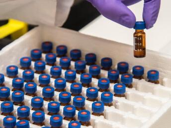 parmaceutical reserach ⭐⭐⭐⭐⭐ Nhà cung cấp máy Bán Hàng Tự Động, TSE Máy bán nước tự động Số 1